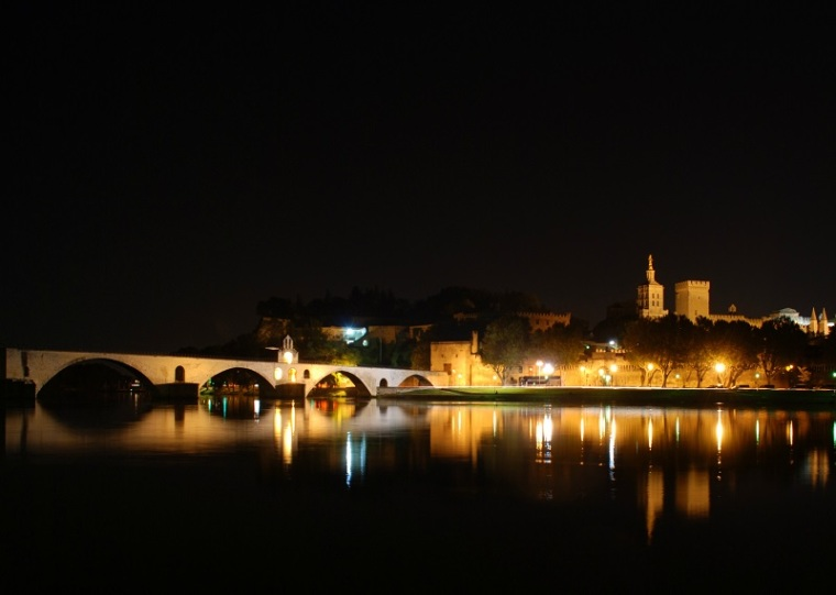 Avignon by night II