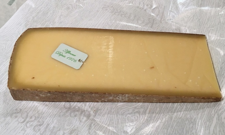 comte-big-slice